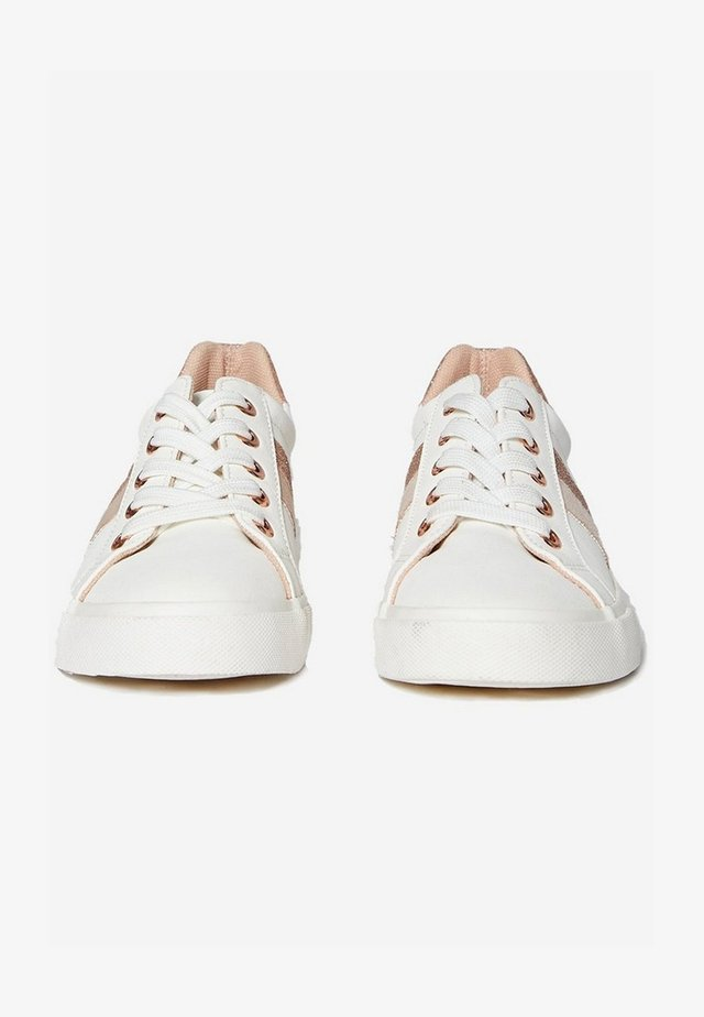 WIDE FIT IMPROVE - Sneakers laag - white