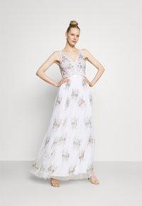 Maya Deluxe - EMBELLISHED BOW BACK DRESS - Společenské šaty - white - 1