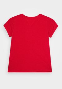 Tommy Hilfiger - ESSENTIAL TEE  - T-shirt con stampa - red - 1