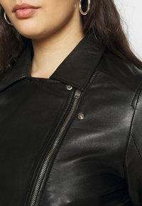 Selected Femme Curve - SLFKATTY  JACKET - Kožená bunda - black - 4