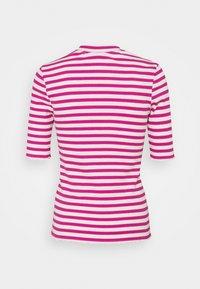 Selected Femme Petite - SLFANNA CREW NECK TEE  - Print T-shirt - rose violet - 1