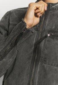 Be Edgy - BETOMA - Kurtka jeansowa - vintage black - 6