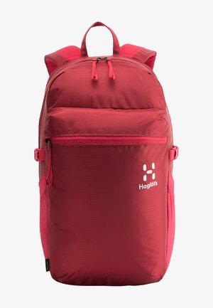 Hiking rucksack - red dahlia