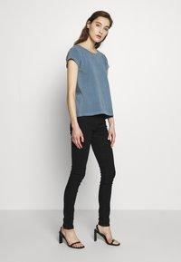 Samsøe Samsøe - LISS - Basic T-shirt - blue mirage - 1
