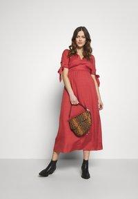 Glamorous Bloom - DRESS - Denní šaty - faded red - 1