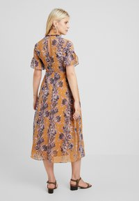 Hope & Ivy Maternity - FLORAL SHORT SLEEVE DRESS - Maxi šaty - orange - 2