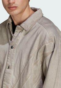 adidas Originals - R.Y.V. DENIM JACKET - Denim jacket - brown - 3
