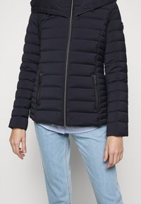 MICHAEL Michael Kors - STRETCH PACKABLE PUFFER - Dunjakke - dark navy - 3