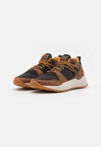 Timberland - SOLAR WAVE EK+ - Höga sneakers - mid brown - 1