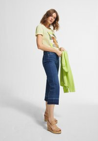 comma casual identity - Print T-shirt - lime placed woman - 1