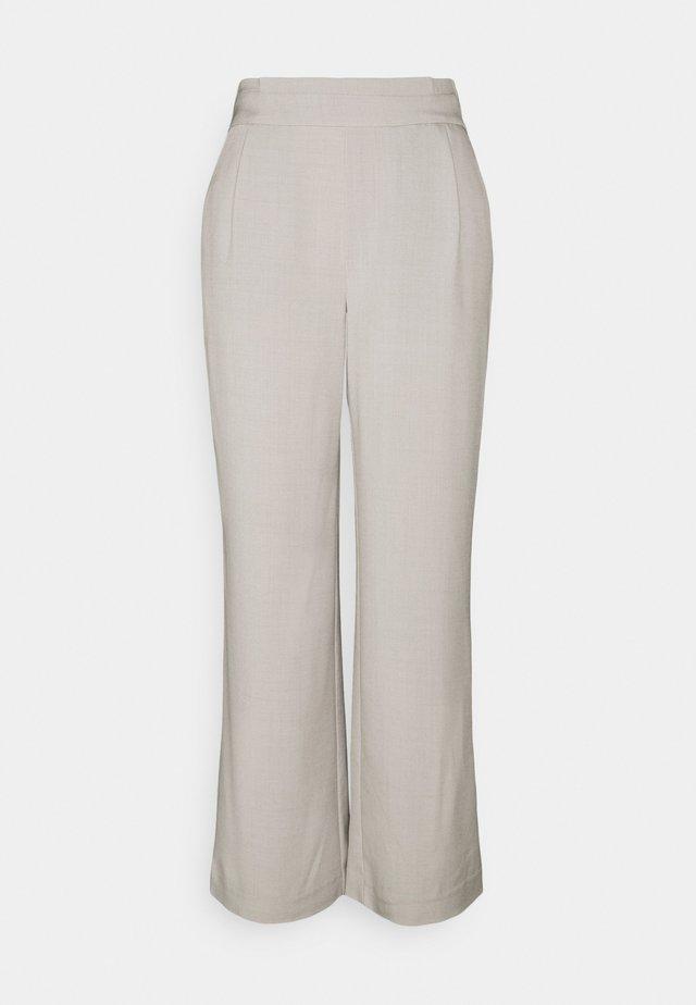 JDYHARBOUR PANT - Spodnie materiałowe - cloud dancer melange