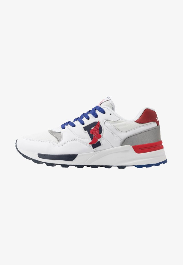 ATHLETIC SHOE - Trainers - white