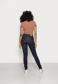 Levi's® - 721™ HIGH RISE SKINNY - Jeans Skinny Fit - rinsed denim - 2