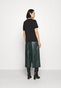ARKET - T-shirt - bas - black dark - 2