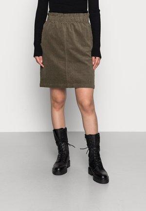 CORDY  - Minifalda - ivy green