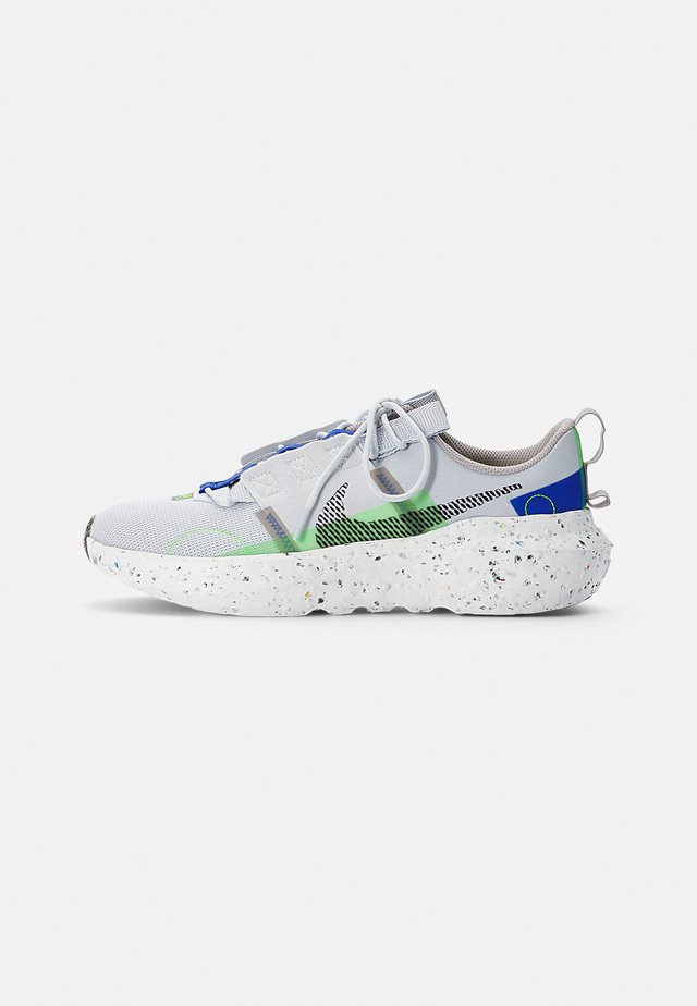 NIKE CRATER IMPACT - Sneakersy niskie - pure platinum/black-electric green-racer blue-college grey