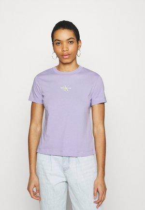 MONOGRAM LOGO TEE - T-shirts - palma lilac