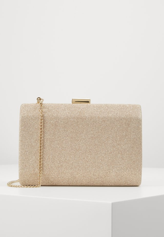 KARA GEO CLUTCH - Pochette - soft gold