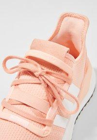 adidas Originals - PATH RUN - Matalavartiset tennarit - pink - 2