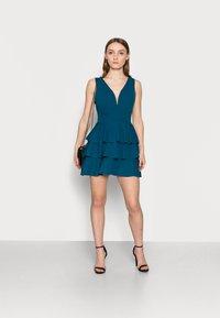 WAL G PETITE - V NECK DOUBLE DRILL DRESS - Koktejlové šaty/ šaty na párty - teal blue - 1
