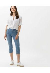 BRAX - STYLE MARY C - Denim shorts - used summer blue - 1