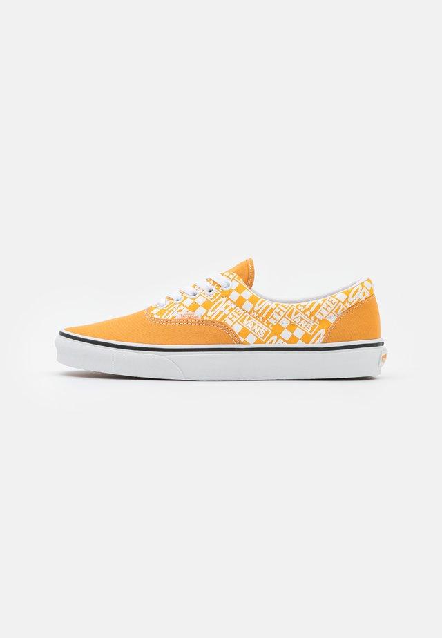 ERA UNISEX  - Sneakers - golden nugget/saffron