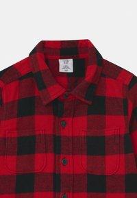 GAP - TODDLER BOY - Shirt - red - 2
