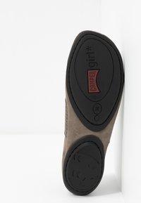 Camper - RIGHT NINA - Ankle strap ballet pumps - rocket - 6