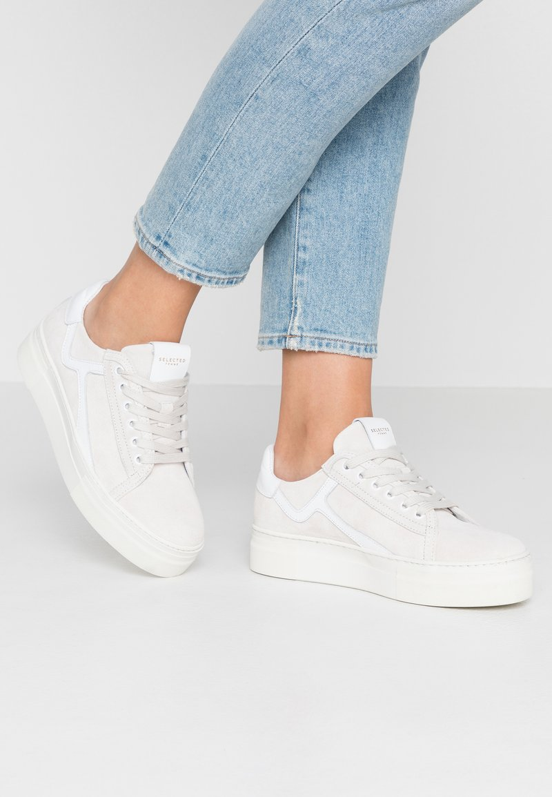 Selected Femme - SLFANNA RETRO TRAINER - Sneakers - white