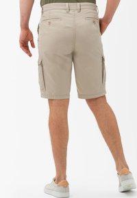 BRAX - STYLE BRAZIL - Shorts - beige - 2
