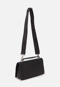 Calvin Klein Jeans - FLAP CROSSBODY - Handtas - black - 1
