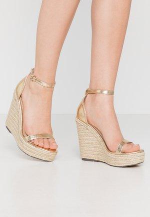 PARK - Sandaler med høye hæler - gold