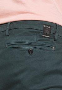 Replay - ZEUMAR HYPERFLEX  - Slim fit jeans - dark green - 4