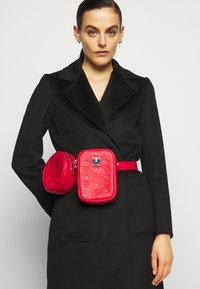MCM - Bum bag - viva red - 0