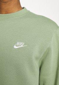 Nike Sportswear - CLUB CREW - Felpa - oil green - 5