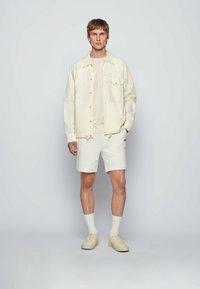 BOSS - LOVEL - Skjorta - light beige - 1