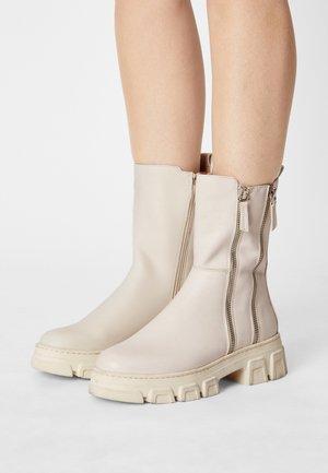 Korte laarzen - offwhite