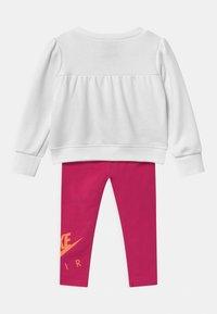 Nike Sportswear - AIR SET - Collegepaita - fireberry - 1
