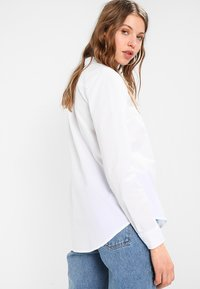 Tommy Jeans - ORIGINAL LIGHT OXFORD  - Button-down blouse - classic white - 2