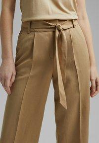 Esprit Collection - MIT BINDEGÜRTEL - Trousers - sand - 5