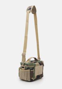 Alpha Industries - TACTICAL COOLER BAG UNISEX - Holdall - woodland - 1