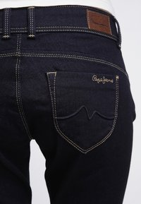 Pepe Jeans - NEW BROOKE - Slim fit jeans - rinsed denim - 5