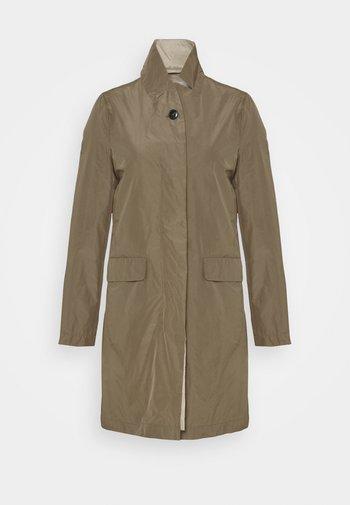 PURE PORI CLASSIC COAT - Klassinen takki - green umber