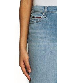 Tommy Jeans - MID RISE - Denim shorts - tess light blue - 4