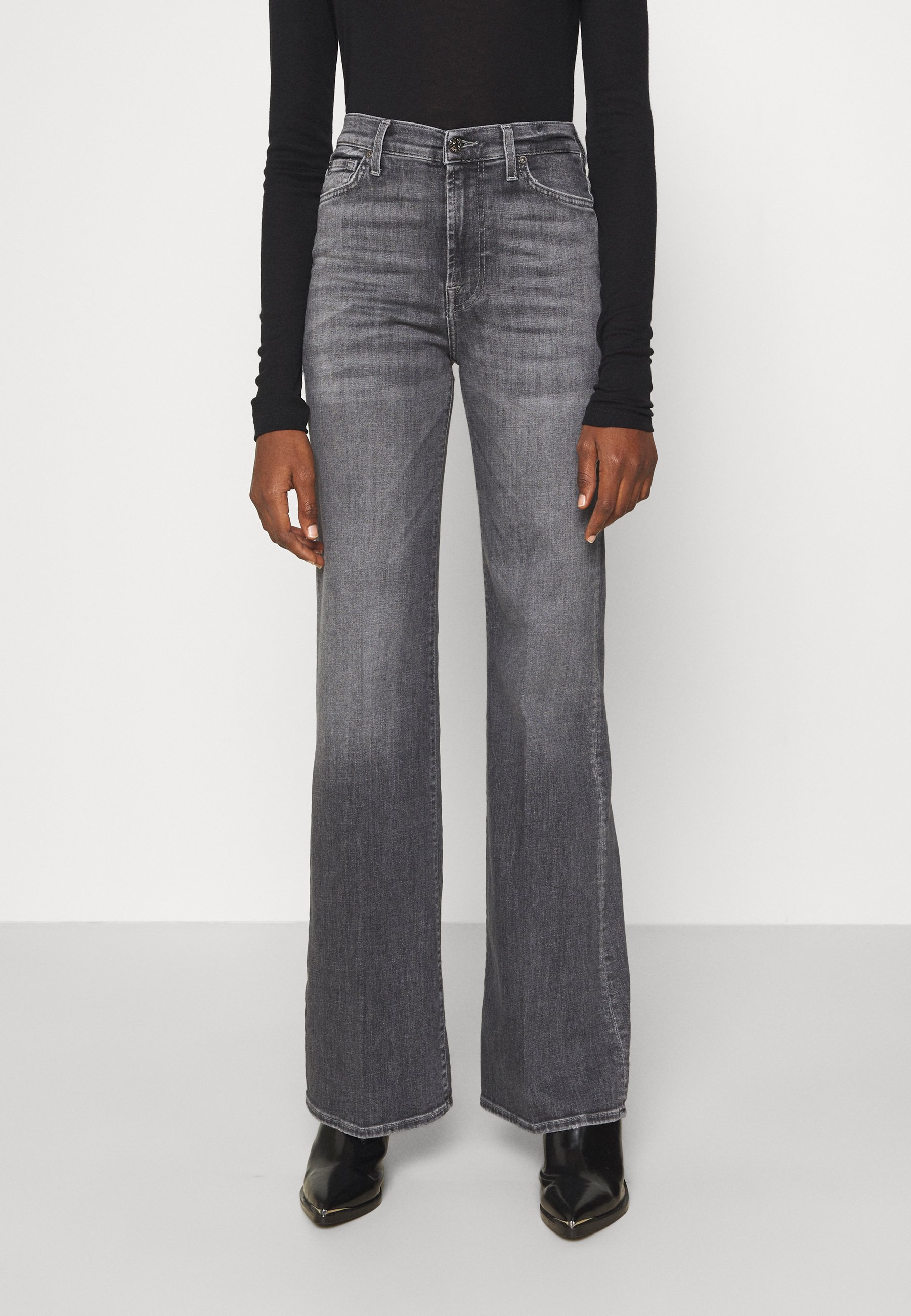 Damer MODERN DOJO - Flared jeans