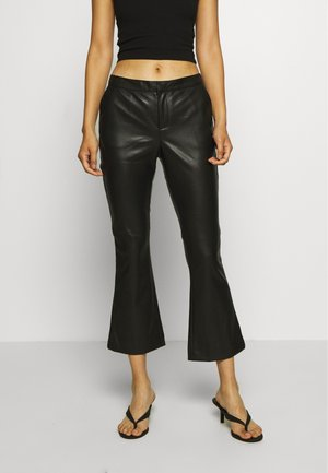 CORNELIA TROUSERS - Lederhose - black