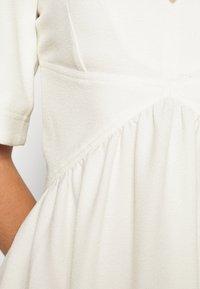 Victoria Victoria Beckham - TIE NECK DRESS - Sukienka koktajlowa - daisy white - 6