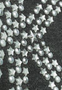 MICHAEL Michael Kors - ACID STAR STUD - Sweatshirt - black - 5