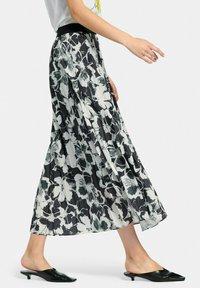 MARGITTES - Pleated skirt - schwarz/weiß - 3