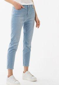 BRAX - STYLE CARO  - Slim fit jeans - used light blue - 0